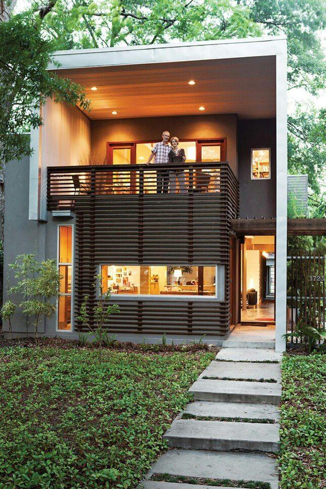Fachada minimalista madera