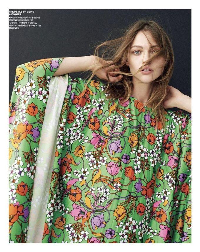 Саша Пивоварова на обложке Vogue Korea (Интернет-журнал ETODAY)