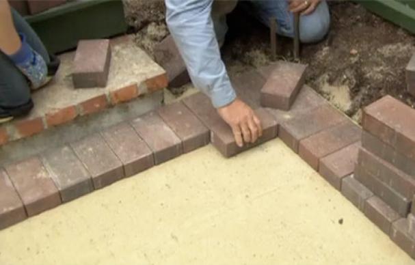 How To Build A Brick Patio Brick Patios Brick Walkway Diy