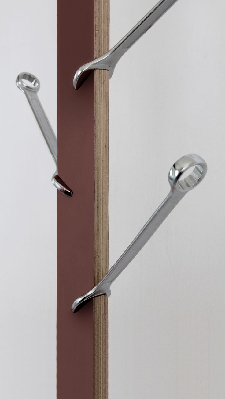 Porte Manteaux Design by Pierre Lota
