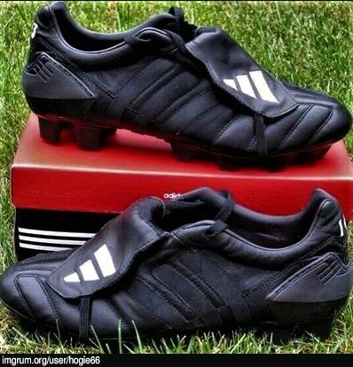 Do you have a pair of adidas Predator football boots, and you're bored of the colour. And you'd love to customise them to your own design? Then keep reading and I'll give you some tips along the way, as well as some great customising ideas. Blacking Out My Football Boots You may...