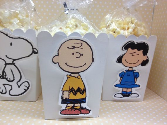 Peanuts, Charlie Brown, Spoopy Party Popcorn or Favor Boxes - Set of 10