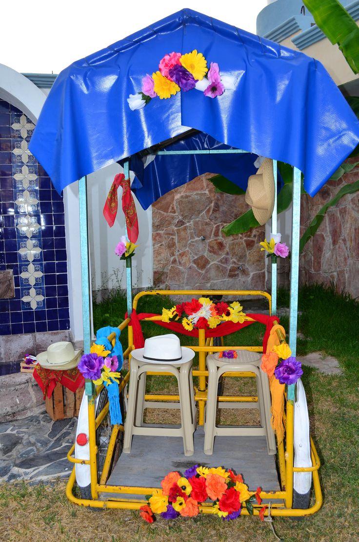 La idea principal de la boda yucateca... El Triciclo tipico decorado