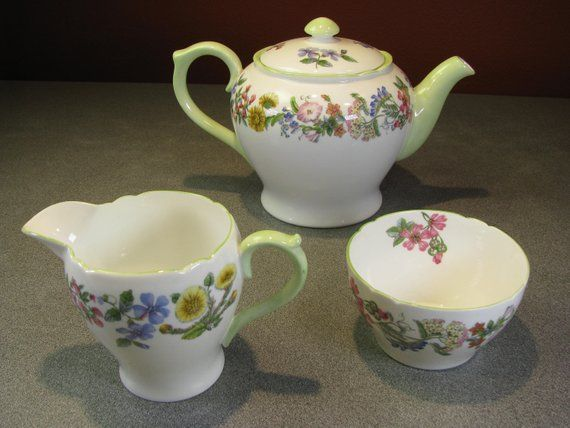 Shelley Hedgerow Teapot With Lid Sugar And Creamer Set Fine Bone China Made In England Beautiful Condition Tea Pots Bone China How To Make