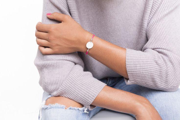 Lederarmbänder - Leder Armband pink Gravur Plättchen 925 Silber - ein Designerstück von mylittlebonheur bei DaWanda