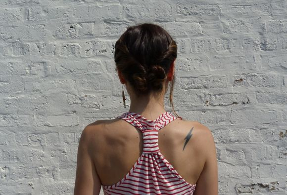This casual style is super easy and so cute. All you need are a few minutes and some bobby pins. Don't forget to start with dirty hair. If your hair is clean, you'll want to add some product. Anything that adds some texture will do. For other basic updo tips, read this post. Get the