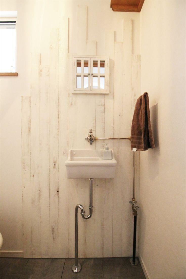 造作手洗い トイレ 杉板 配管 ナチュラル 注文住宅 インテリア ジャストの家 Washstand Lavatory