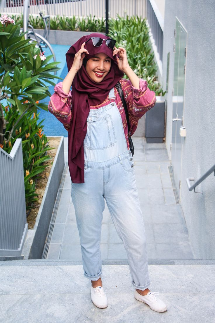 Styling Overalls http://rougeandruche.com/2015/11/04/styling-overalls/