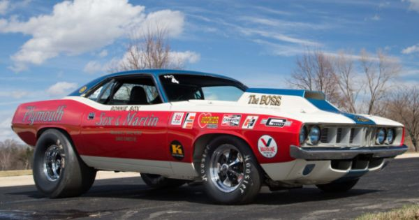 Pro Stock 1971 Plymouth HEMI Cuda Restored! Started life as a 1971 Barracuda powered by a HEMI engine since day one and built by Chrysler specifically for racing this Sox & Martin team Pro Stock HEMI Cuda is a multiple NHRA Pro Stock winner for 1971 and the last Ronnie Sox NHRA... #hotcars #mopar