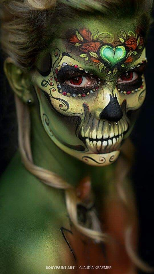 This is the first sugar skull makeup I've had an audible reaction to- amazing   Geiles makeup