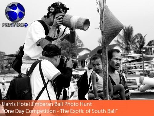 "Jimbaran, 26 Januari 2013. Pagi tadi para fotografer yang sudah mendaftar dalam acara Harris Photo Hunt 2013 One Day Competition yang bertajuk ""THE EXOTIC OF SOUTH BALI"" hadir untuk berlomba menghasilkan karya - karya fotografi terbaiknya. Acara photo hunt kali ini diselenggarakan oleh Harris Hotel"