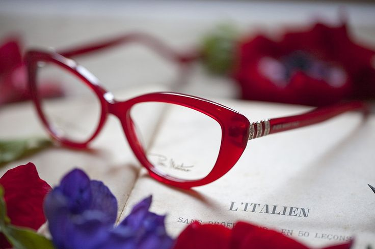 Red colour for a fresh frame.. the cherry on top of your look!