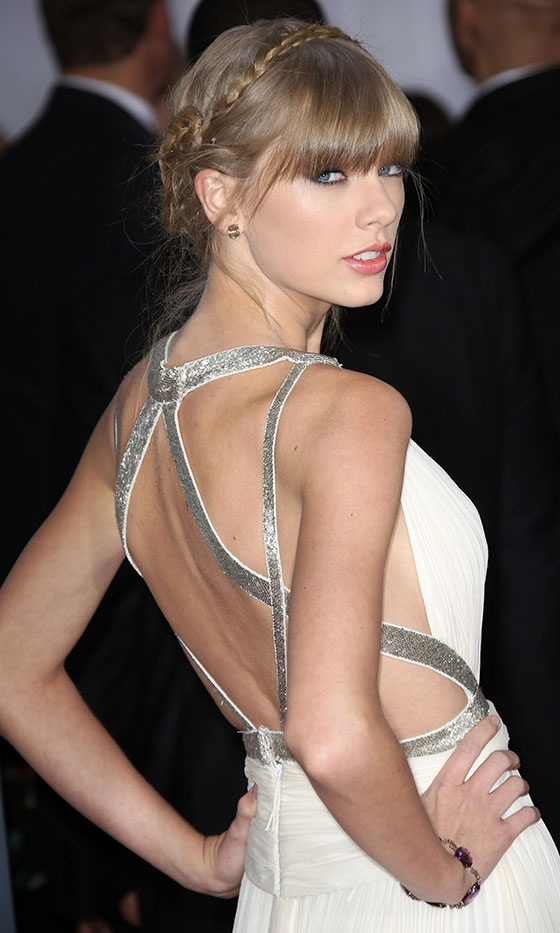 Taylor Swift In J Mendel At The Grammys, 2013