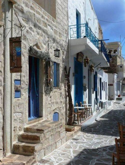 The alleys of Kimolos Chora, Greece.