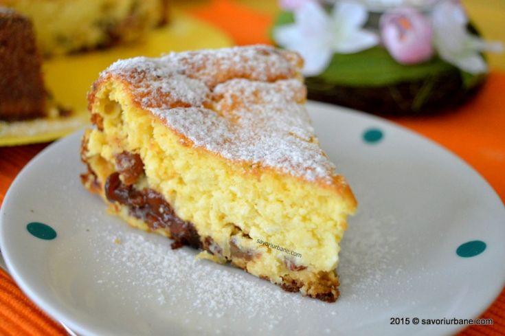 Pasca fara aluat - reteta de Pasti - o crema usoara de branza de vaci, aromata, coapta. Un fel de cheesecake autohton, specific Pastelui. Fiind fara aluat