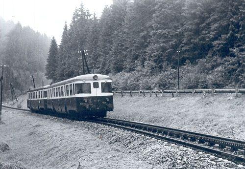 Historický motorový vozeň M 240.039