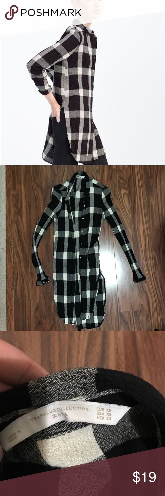 🔥SALE🔥 Zara trafaluc plaid tunic top Size XS - true to size. Long tunic button down by Zara. Black and white. Great condition. Bundle with 2 more items in my closet for 30% off Zara Tops