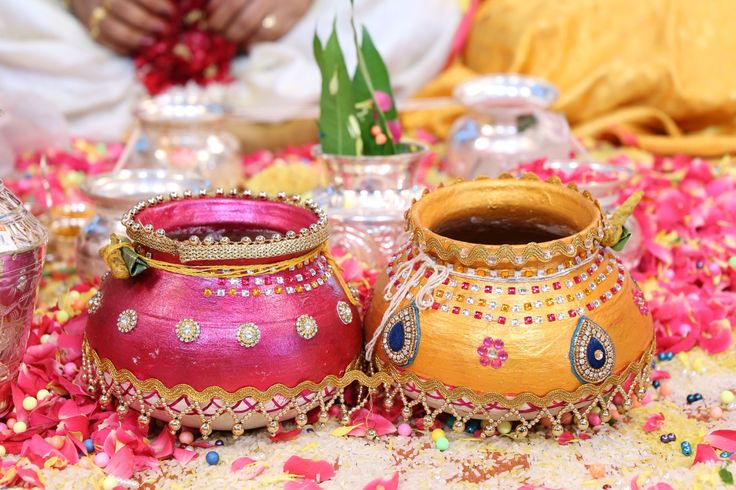 Decorative pots or matka in weddings