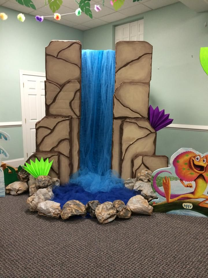 Amazing dimensional waterfall stage prop; VBS