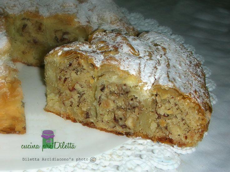 Torta di nocciole e pasta sfoglia, un dolce che vi conquisterà al primo assaggio! Per preparare la mia torta di nocciole e pasta sfoglia ho acquistato la...