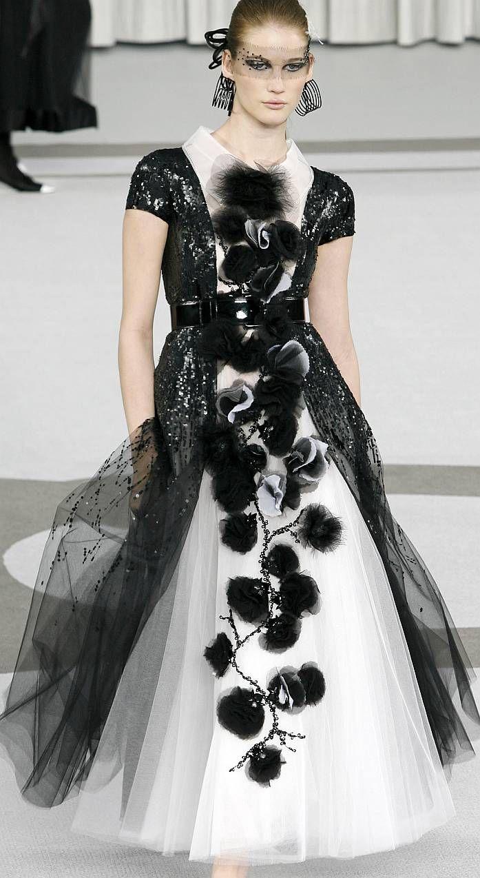 ♥•✿•♥•✿ڿڰۣ•♥•✿•♥   Chanel Haute Couture Spring 2007  ♥•✿•♥•✿ڿڰۣ•♥•✿•♥