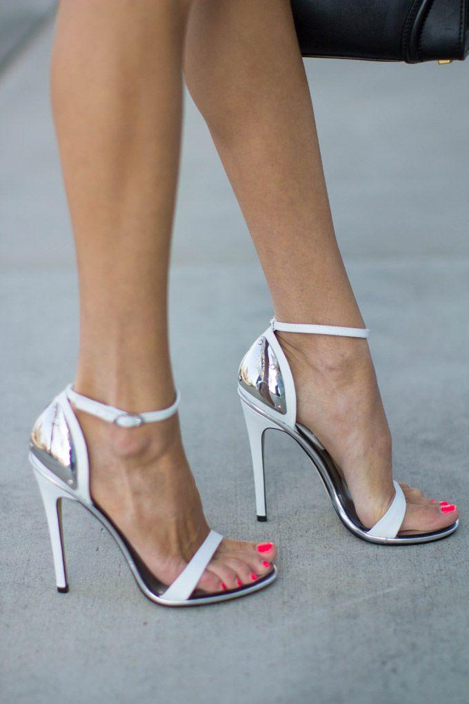DECOED BLACK AND WHITE | Hello Fashion
