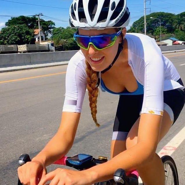 Follow our Beautiful Sporty Girl™️💯🔝🔝 @getslimwithtori Sport: #cycl…