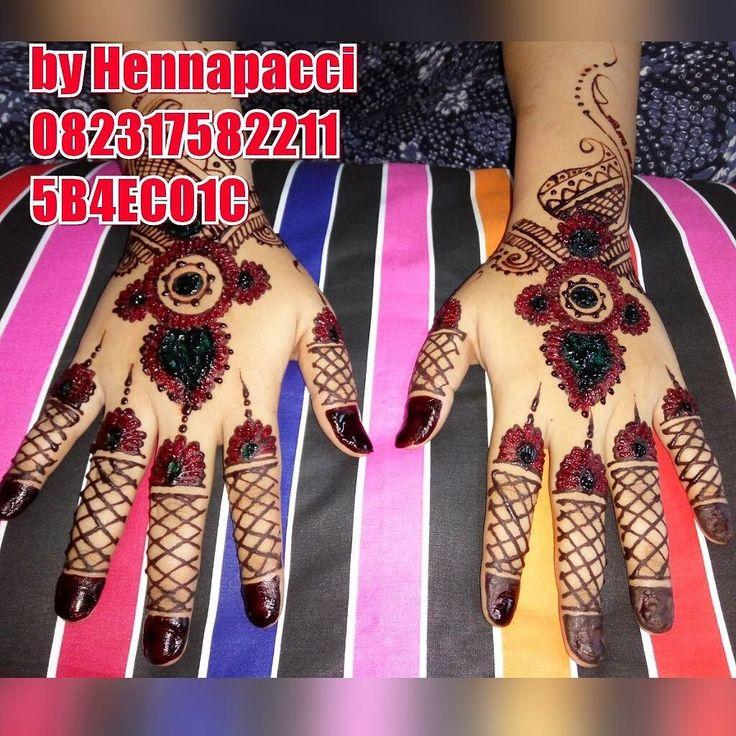 Terima kasih kepada klient kami... Sudah henna wedding  kemarin... Barakallah... #henna #hennatattoo #hennaartismakassar #hennaart #hennapacci #hennaartist #hennamahendi #mahendi #inai #malampacar #mappacci #mappacing #makeup #handpaint #hand #bride #pengantin #adatmakassar #indonesia #makassar #instadaily #instagramers #iphonesia #xiaomi