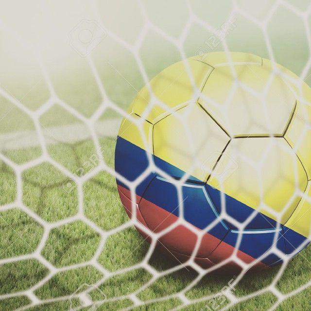 Celebrando El Triunfo de Colombia en Copa America 2015. #futbol #copaamerica 2015 #colombia #feliz #instafutbol #soccer #winner #sports #triunfo #celebrating #instahappy #fitfam #goal #soccerfan #seleccioncolombia #vivacolombia ⚽️