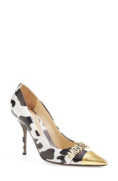 Shop now: Moschino pumps: Logo Pointy, Fashion, Highfalutin The Heels, Pump Women, Woman Shoes, Pointy Toe Pump, High Heels, Moschino Shoes