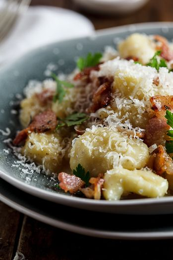 Gnocchi Carbonara - Made this tonight and it was a loser.  No one liked it.  Not to mention its not a cheap meal.  Will not make this again.  So disappointed.  I did do store bought Gnocchi as I just don't have time to make fresh, but still not good.