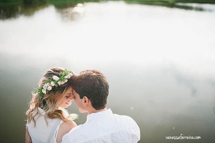vanessa ferreira fotografia de amor, sessão de fotos noivos, ensaio fotografico casal ao ar livre são paulo, book noivos, noiva, coroa de flores na noiva, sessão de fotos com amor noivos, casal apaixonado fotos são paulo 7