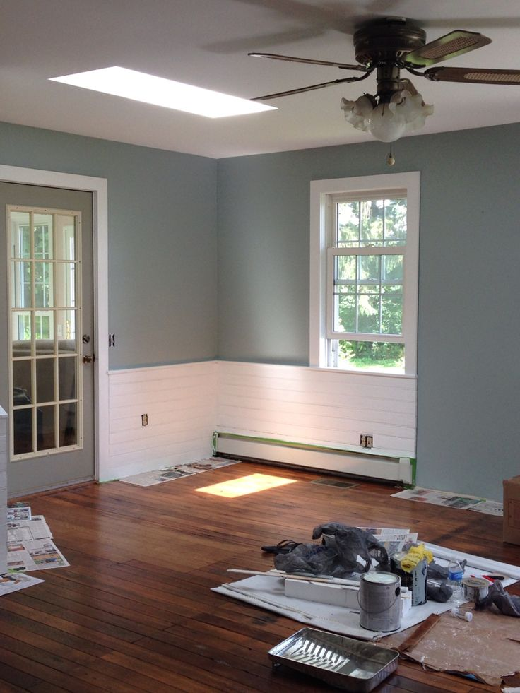 The gallery for sherwin williams silvermist for Silver mist paint color