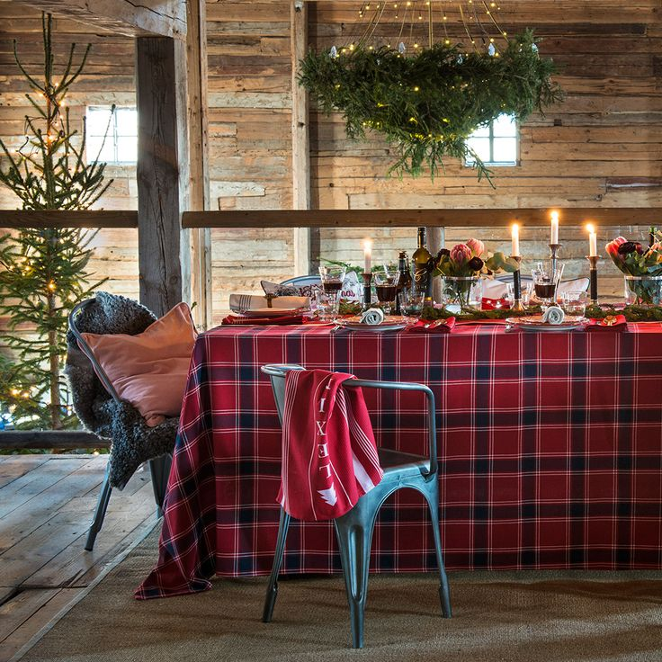 Add that essential feel of holiday tradition to your table setting with our classic checked tablecloth in 100% cotton, bringing a welcome sense of hearth and home for that most favorite time of the year!