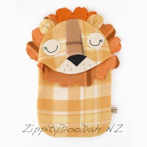Stunning retro themed hot water bottle covers! i wunt this now!!