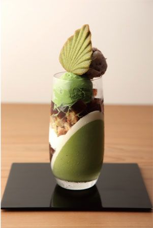 I know this isn't technically a plate.. but just look at how gorgeous this is! So beautiful:') Haha, it looks too good to eat!! [Japanese Green Tea Parfait (Matcha  Ice Cream, Kanten Jelly, Azuki Red Beans Sponge Butter Cake)|抹茶パフェ]