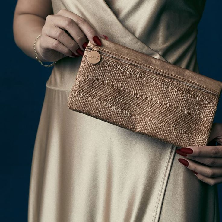 Ipsy Spoilers – September 2015  I love the bag! so chic and simple