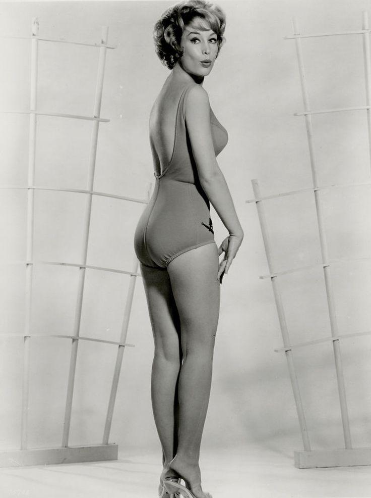 1963 Barbara Eden Bathing Beauty Blonde Bombshell -5553