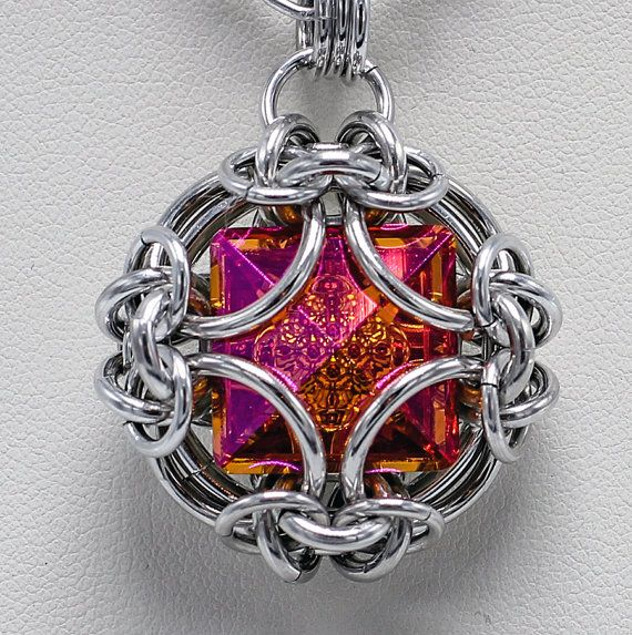 This tutorial uses a 16mm Square Vision Swarovski crystal. It is an advanced project. As a bonus this tutorial also has the sizes needed for capturing a