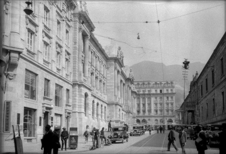 LA BOGOTÁ DE ANTAÑO; Avenida Jiménez. Foto de Gumersindo Cuéllar; publicación de Joselh Hómez.