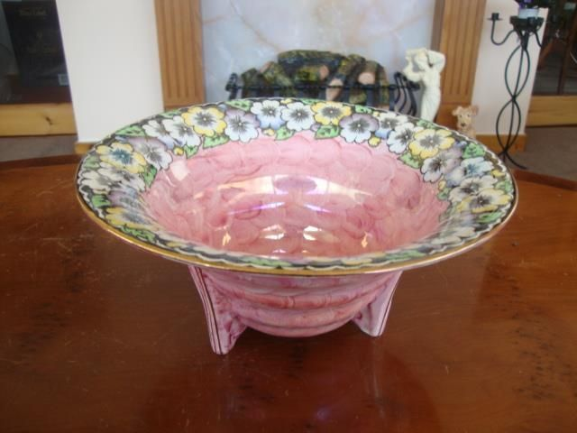 FINE QUALITY MALING LUSTRE GARLAND LUSTRE THREE FOOTED BOWL . C1940.