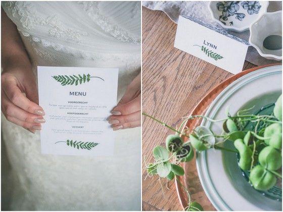 http://stijlvolletrouwkaarten.nl/menukaarten/bijzondere-menukaarten/blad-varen-rustiek-groen #nature #wedding #ferns #styling Fotocredit: FOTOZEE (http://fotozee.nl/)