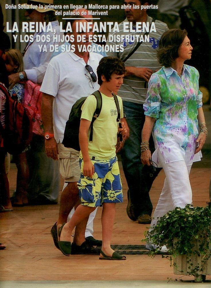La Reina de España con su nieto y las Ria Menorca