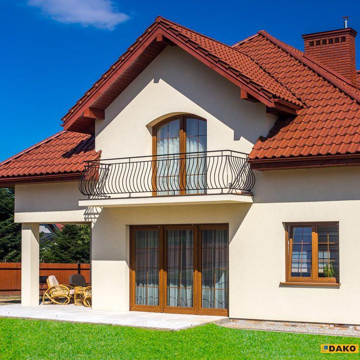 Szprosy w oknach podkreślają wyjątkowy charakter domu, nadając mu klasycznego wyglądu