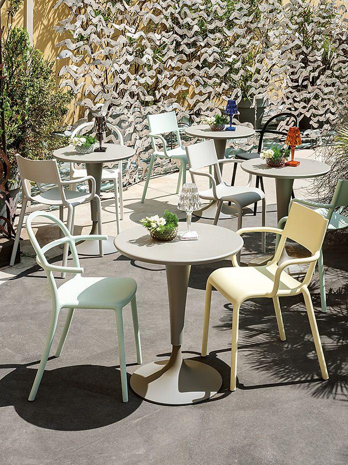 Kartell Generic A Armlehnstuhl Sofort Lieferbar Cairo De In 2020 Gartenmobel Sets Besucherstuhle Armlehnstuhl