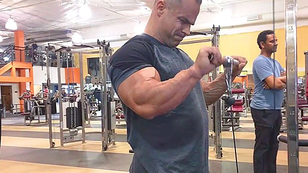 Tip: Cable Superset for Forearms