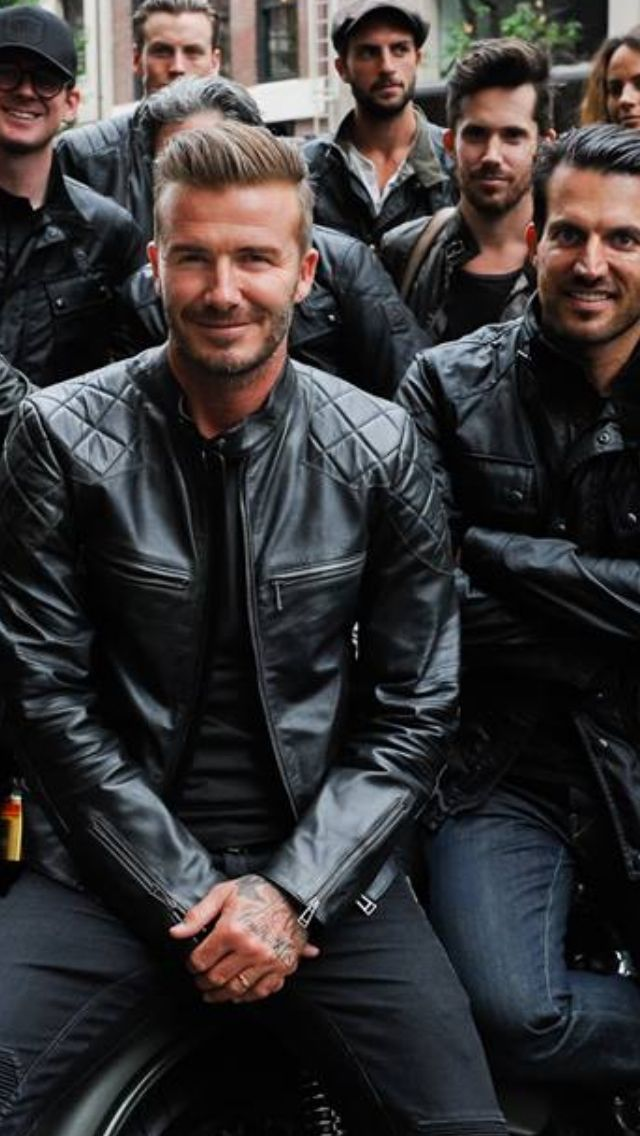 Whaaat? Black on black + black leather jacket? heck yeah!