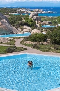 The best #romantic moments by #pool in #Sardinia. Your #Honeymoon by the #sea in #SantaTeresaGallura