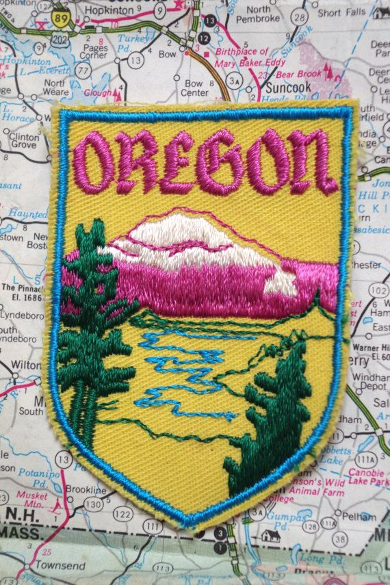 Vintage 1970s Oregon Souvenir Cloth Embroidered Travel Patch Badge with Mount Hood Image