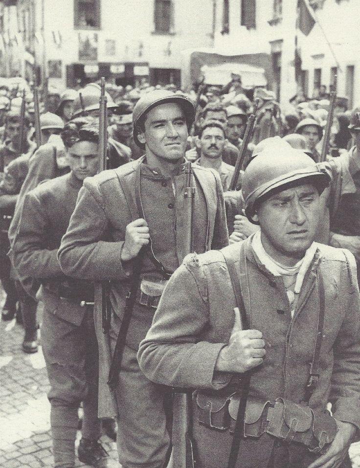 Alberto Sordi et Vittorio Gassman dans La Grande Guerra (dir. Mario Monicelli, 1959)